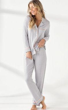 8835 - Cardigan c/ calça - Mixte Pijamas Womens Pjs, Winter Cardigan, Pose, Pyjamas, Nightwear, Lounge Wear, Winter Outfits, Jumpsuit, Fashion Outfits