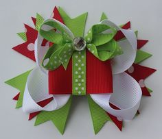 Christmas Tree Bow 5 inch Boutique Bow/alligator clip~oh for the good old days… Making Hair Bows, Diy Hair Bows, Diy Bow, Bow Making, Christmas Tree Bows, Christmas Crafts, Christmas Headbands, Xmas, Ribbon Crafts