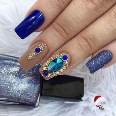 www.tatacustomizaçãoecia.com.brPedrarias para orçamento e comprá⬆  Francesinha rendada linda #UNHASDECORADAS #UNHASDASEMANA #UNHASDELUXO #UNHASDIVAS #simonetis Dope Nails, Fun Nails, Diamond Nail Art, Ring Finger Nails, Star Nails, Nail Tools, Nail Trends, Nail Arts, Beauty Nails