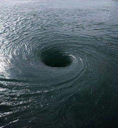 # Bermuda Triangel Whirlpool