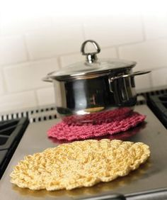 Pretty Petals Potholder – free crochet pattern | REPINNED