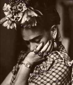 thehotchpotch:     Frida Kahlo