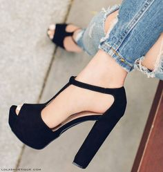 8 Limitless Tips AND Tricks: Fashion Shoes Art in her shoes quotes.Prom Shoes For Tall Girls full height shoes cabinet. Pretty Shoes, Beautiful Shoes, Cute Shoes, Me Too Shoes, Dream Shoes, Crazy Shoes, Shoe Boots, Shoes Heels, Tan Shoes