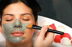 Cilt Gözeneklerini Sıkılaştırmak İçin Bitkisel Maske