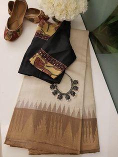 Style your jewellery Cotton Saree Blouse, Saree Blouse Neck Designs, Saree Blouse Patterns, Fancy Blouse Designs, Trendy Sarees, Stylish Sarees, Sari Design, Saree Trends, Elegant Saree