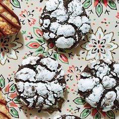 """Chocolate-Peppermint Crackle Cookies 
