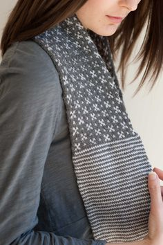 Love that it looks like there are little crosses in this scarf pattern!