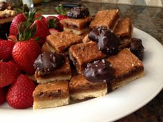The world's best butter tart bars – For The Love Of Food Yummy Treats, Delicious Desserts, Sweet Treats, Yummy Food, Holiday Baking, Christmas Baking, Christmas Cookies, Christmas 2019, Christmas Recipes