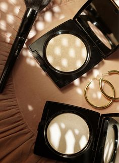 How to Achieve a Dewy Complexion — Dual Finish Highlighter with Haleigh
