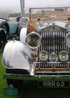Vintage Rolls Royce, perfection. #classiccar #RollsRoyce #resnickautogroup