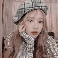 Korean Aesthetic, Aesthetic Girl, Kpop Girl Groups, Kpop Girls, Auryn, Dark Anime Girl, Japanese Girl Group, Kim Min, Jennie Blackpink