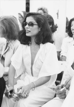Best Celebrity Style from the Seventies: looks of Bianca Jagger, Farrah Fawcett, Cher, Debbie Harry, Ali MacGraw [PHOTOS] 70s Fashion, Fashion Photo, Fashion Beauty, Vintage Fashion, Slow Fashion, Vintage Style, Olivia Palermo, 1970s Looks, Bianca Jagger