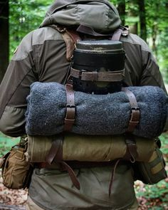 outdoor survival camping survivalism living in autarky nature forest travel Bushcraft Camping, Bushcraft Pack, Camping Survival, Outdoor Survival, Survival Gear, Survival Skills, Camping Gear, Outdoor Camping, Outdoor Gear