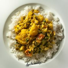 Kalafior po indyjsku czyli aromatyczny, wegański i bezglutenowy eksperyment ⋆ AgaMaSmaka - żyj i jedz zdrowo! Vegan Dinners, Chana Masala, Risotto, Vegetarian Recipes, Curry, Food And Drink, Healthy Eating, Menu, Tasty