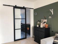 Betaalbaar alternatief voor de stalen deur: industriële deur van hout – Stylynnterior