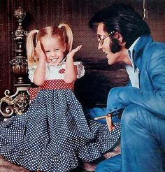 Lisa Marie Presley Photo: This Photo was uploaded by chelrima. Find other Lisa Marie Presley pictures and photos or upload your own with Photobucket fre. Lisa Marie Presley, Priscilla Presley, Elvis And Priscilla, Elvis Presley Memories, Elvis Presley Family, Graceland Elvis, Tom Selleck Movies, Elvis Presley Pictures, Paris Jackson