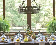 Southern Porches, Southern Ladies, Al Fresco Dining, Outdoor Parties, Fall Table, Autumn Inspiration, Country Decor, Tablescapes, Table Settings