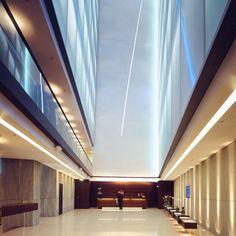Side Design Hotel*****, Hamburg, Germany tolle Parties, hervorragendes Essen und die Dachterrasse ist der optimale Escape aus dem Großstadtdschungel