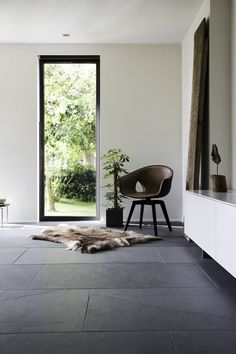 Schiefer Fliesen sind sowohl im privaten als auch … – … Slate tiles are available in both private and … – the Living Room Tiles, Grey Flooring, Tile Floor Living Room, Slate Flooring, House Flooring, Slate Tile, Flooring, Grey Tiles Living Room, Living Room Decor Gray