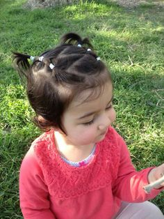 I love when the CDC does this hair on my daughter. Now I have a visual to do it myself. Easy Toddler Hairstyles, Baby Girl Hairstyles, Princess Hairstyles, Cute Hairstyles, Baby Hair Dos, Girl Hair Dos, Girl Short Hair, Hair Due, Curly Hair Styles