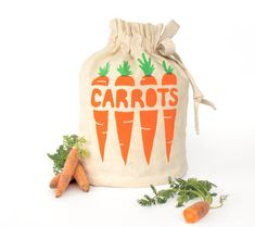 farm to table, farmers market, market, produce, grocery, groceries, food, foodie, organic, canvas tote, market bag, reusable grocery bag, harvest sack, food bag, carrots