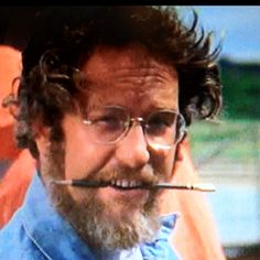 Richard Dreyfuss sharing the screen with a Blackwing pencil in Jaws.