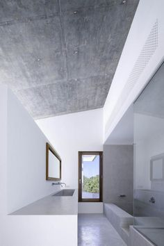 Can Manuel d'en Corda is a contemporary remodel and extension of a traditional stone wall house by Marià Castelló Martínez, on Formentera Island, Spain. Contemporary Architecture, Interior Architecture, Interior And Exterior, Minimal Bathroom, Modern Bathroom, White Bathrooms, Luxury Bathrooms, Master Bathrooms, Dream Bathrooms