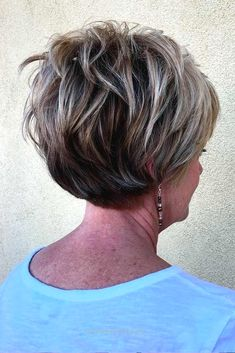 Classic and Elegant Short Hairstyles for Women Over 50 ★ See more: lovehairsty… Classic and Elegant Short Hairstyles for Women Over 50 ★ See more: lovehairstyles.co…  http://www.fashionhaircuts.party/2017/05/17/classic-and-elegant-short-hairstyles-for-women-over-50-%E2%98%85-see-more-lovehairsty/
