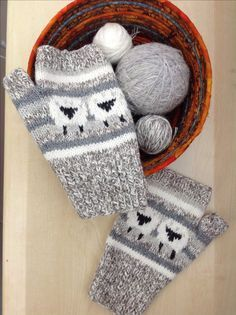 Sheep Heid Mittens -I need to knit a pair to match my Baa-ble hat. :)