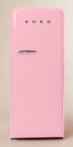 fun pink refrigerator  http://rstyle.me/n/msem2pdpe