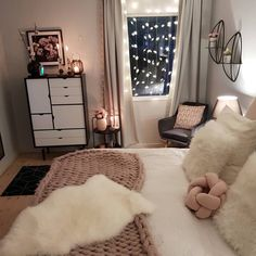 23 Super Ideas For Bedroom Rug Ideas Fairy Lights Girls Bedroom, Small Room Bedroom, Bedroom Green, Trendy Bedroom, Bedroom Ideas, Cozy Bedroom, Bedrooms, Best Bedroom Colors, Bedroom Color Schemes
