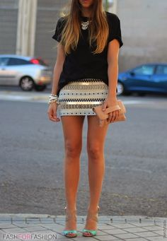 Mini short with black shirt and high heels | Glamrous fashion