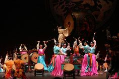 """The scene of the drum dance titled """"Grand Drum Ensemble"""" performed by the National Dance Company of Korea for the World Library"""