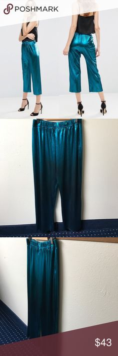 NWT Asos Metallic Teal Shimmer Pleated Culottes Oooooo Shiny. Beautiful Bold Teal Culotte Pant by Asos. Slight Stretch and very lightweight. US 8. ASOS Pants