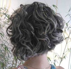 Chic Stacked Bob Haircuts that We Love | http://www.short-haircut.com/chic-stacked-bob-haircuts-that-we-love.html