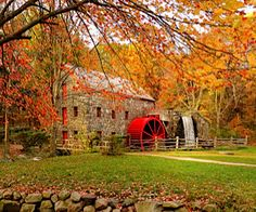 Have you seen any of these 10 iconic Massachusetts fall scenes up close in person?
