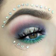 Another closeup (in different lighting) of the look I posted a few weeks ago  I used my @bhcosmetics Take Me to Brazil palette @glitterinjections and @lasplashcosmetics glitter @kokolashes in Goddess and @anastasiabeverlyhills Dip Brow in Soft Brown. by jillianbeauty