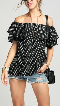 Free Forever Off-Shoulder Top Tank Top Outfits, Casual Outfits, Blouse Styles, Blouse Designs, Moda Chic, Off Shoulder Tops, Street Chic, Ladies Dress Design, Spring Outfits