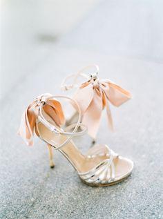 Peachy wedding shoes - designer, Luis Onofre. Image by André Teixeira via Brancoprata