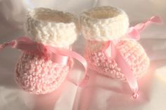White Cuff Pink Baby Girl Booties  Pink Newborn by ImagineThatBaby #etsyspecialt