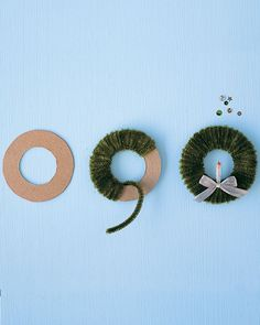 Pipe-Cleaner Wreath - could wrap around cardboard or a metal washer