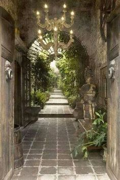 Beautiful entry. Love the idea of the chandelier.