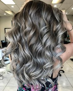 49 beautiful hair color that are so popular right now , light brown hair colors, brown hair colors, balayage hair color ideas , brown honey hair color. Beautiful Hair Color, Cool Hair Color, Long Curls, Hair Color Highlights, Blonde Color, Light Brown Hair, Brown Hair Colors, Silver Hair, Silver Blonde