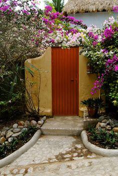 ArtofGardening.org: The lush doorways of Sayulita Mexico