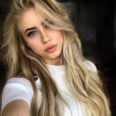 Thick blonde hair is goallsss🙌🏼 #blonde #hair #longhair #thickhair #longhairgoals #hairgoals #hairinspo #longhairinspo #longhairstyles #longhairstylist #longhairlove #hairfeed #hairlove #haircut #hairstylist #hairofinstagram #model #modelfeature #hairfashion #modelsneedee #modelswanted #hairmodel #hairgirl
