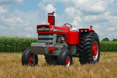 Tractor Plow, New Tractor, Vintage Tractors, Old Tractors, Classic Tractor, Muscle, Iron, Farming, Vehicle