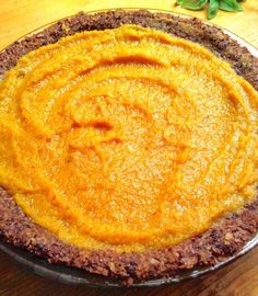 This pumpkin pie, is FOR SURE, the BEST pumpkin pie I have ever had the chance of experiencing. The crust is incredibly tasty, and the filling is to die for! So much better than a plain dough crust an Low Fat Desserts, Healthy Vegan Desserts, Vegan Treats, Raw Food Recipes, Vegan Food, Healthy Recipes, Best Pumpkin Pie, Pumpkin Pie Recipes, Food Inspiration
