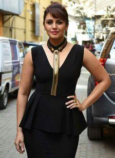 Beautiful Bollywood Actress, Most Beautiful Indian Actress, Beautiful Actresses, Bollywood Actors, Bollywood Celebrities, Hot Actresses, Indian Actresses, Huma Qureshi Hot, Cute Beauty