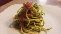 Raw spaghetti and fresh tomato sauce
