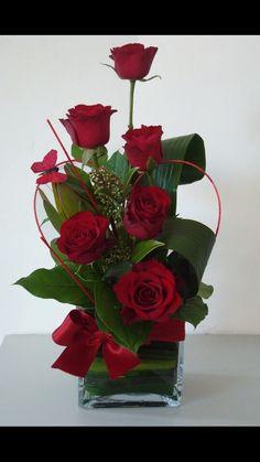 ikebana or whatever Arte Floral, Deco Floral, Floral Foam, Valentine's Day Flower Arrangements, Rosen Arrangements, Contemporary Flower Arrangements, Church Flowers, Funeral Flowers, Wedding Flowers